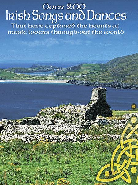 Partitions : Over 200 Irish Songs and Dances (Piano, Voix et Guitare)
